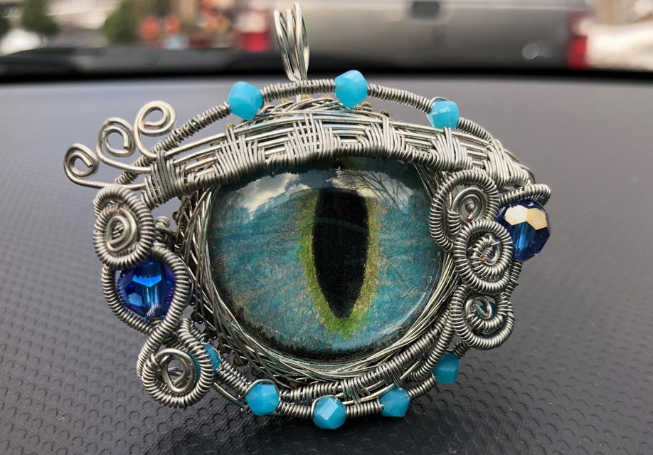 Acrylic eye wrap